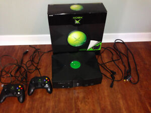 Original Xbox With 2 Controllers and 12 games (Great Condition)