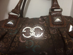 New & used purses call 5395573