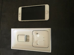 iPhone 7 new 10 / 10 condition silver 32 gb
