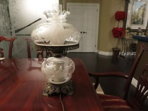 ANTIQUE VICTORIAN Gone with the wind 3-WAY HURRICANE LAMP Floral Kitchener / Waterloo Kitchener Area image 2