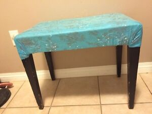 Piano bench/little stool