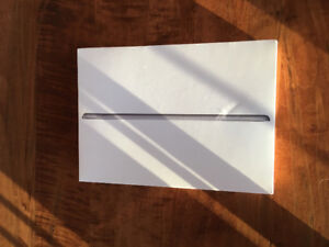IPAD BRAND NEW UNOPENED Space Grey 32 GB