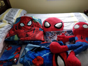 Spiderman bedding and decor
