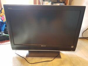 32 inch Sony BRAVIA  tv, dvd recorder player, bluray player