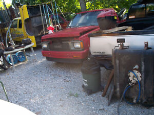 Parting out 1984 to 2002 Pickup Truck Pickers PIGPEN519738-0166
