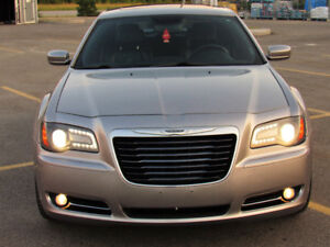 2013 CHRYSLER 300s WITH CARPROOF FULLY LOADED!!!!