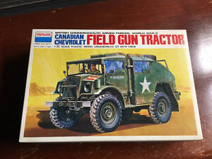 1:35 Scale Model WWII Military  Field Gun Tractor