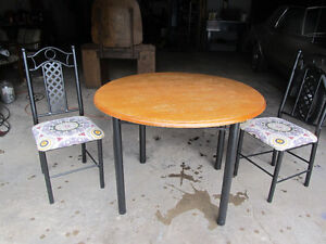 Kitchen table and chairs. Sold. PPU