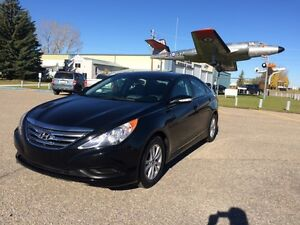 2014 Hyundai Sonata (Finance Available)