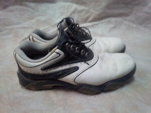 Foot Joy Golf Shoes - Size 9.5 London Ontario image 1