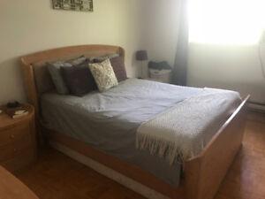 Set de chambre à coucher Queen 250$