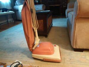 Vintage Hoover Vacuum . Model 321.