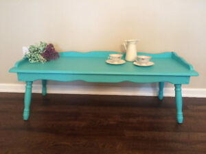 Bright table/bench