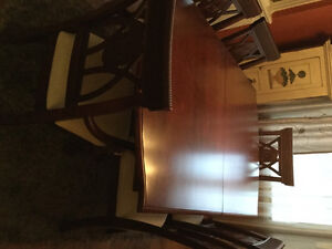 Solid wood Durham Dining Room Table, 4 side  & 2 Captain chairs