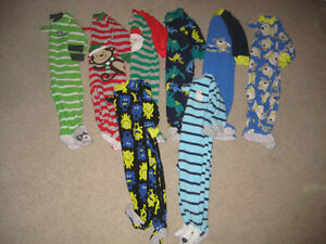 8 pairs of fleece footed pj's - Size 12 months
