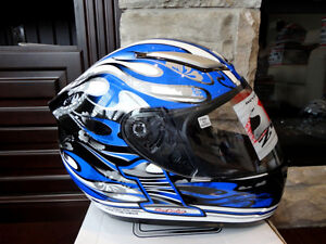Zoan Revenge Helmet Size XS Blue Flame w/4 Visors Incl.Brand New Kitchener / Waterloo Kitchener Area image 2