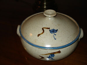 Pottery Casserole dish with lid