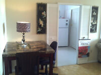 Room to rent to Femail - Minutes walking to Seneca College