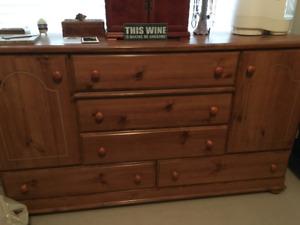 6 Piece Wood Bedroom Suite for Sale