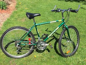 Vélo Hybride pour Homme, 18vitesses, 26x1.95