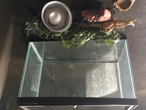 Reptile cage - 12x24, heating lamp, heated rock and accessories