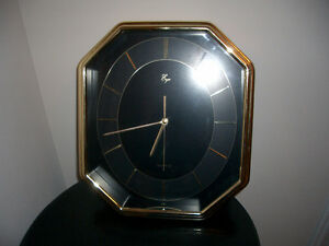 Quartz Wall Clock - It Does Not Tick and in Mint Condition