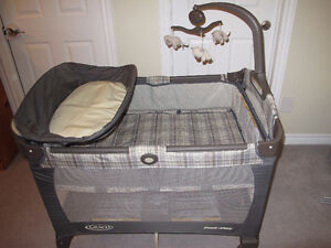 Graco pack n play playpen with bassinet