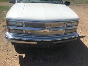 For sale 1999 Chevy suburban