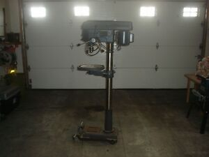 "Craftsman 1-1/2 HP, 16 speed, 5/8"" chuck, 17"" Drill Press"