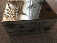 Mirror jewellery box