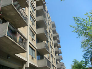 Cote-St-Luc - LARGE 1 bedroom apartment
