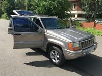 Jeep Grand Cherokee 4.0 auto Orvis. LOW MILEAGE, 94 K. RARE SHAPE.