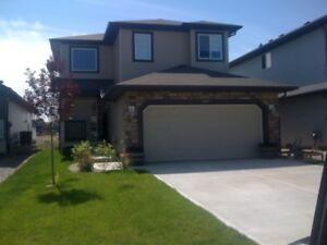 PET  FRENDLY - Beautiful home in SHERWOOD PARK community
