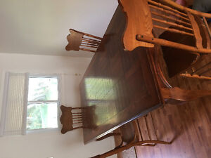 Table with 4 chairs $100