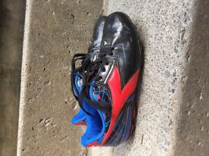 Boys Diadora soccer cleats size 3