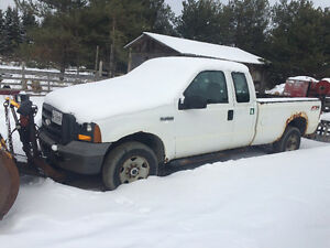 2005 Ford F-250 Pickup Truck with 8ft fisher plow snow plow