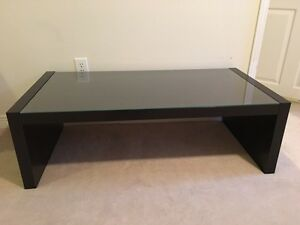 Ikea glass top coffee table buy or sell coffee tables in for Coffee tables london ontario