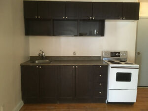 NDG, 4 ½ with 3 closed bedrooms. $865, heating included.