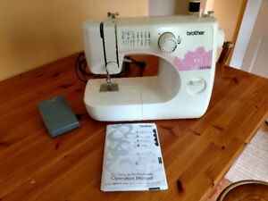 Brother LX-3125 Electronic Sewing Machine