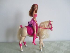 Cheval  De  Barbie     (( BARBIE NON  INC))