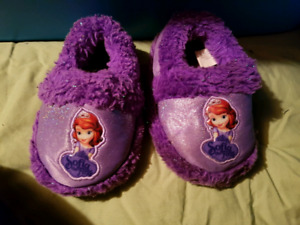 Baby and toddler shoes/footwear (click ad for pricing)