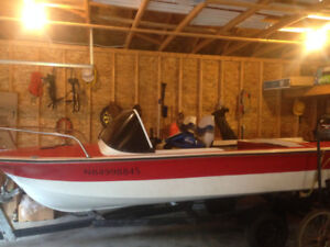 16 foot Speedboat with 40 HP Mercury outboard motor