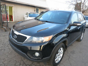 2011 Kia Sorento LX - Super Clean