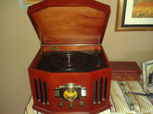 VINYL LP RECORDS AND RECORD PLAYER