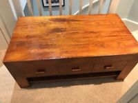 Lovely coffee/ bedroom table