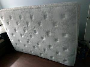 Sealy pillow top mattress (double)