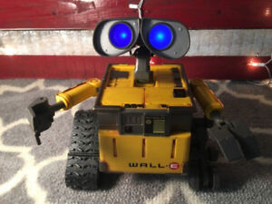 2008 Disney Pixar WALL-E Thinkway Toys Interactive Robot Toy