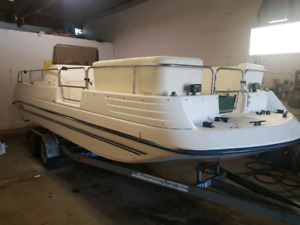 22 ft Deck Boat  115HP Yamaha