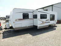 2005 Fleetwood Prowler 30FQS - 31' w Slide and Bunk Beds