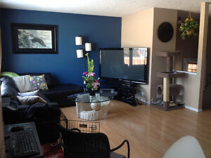 4 bedroom house w Garage for Sale by Owner in Fort McMurray